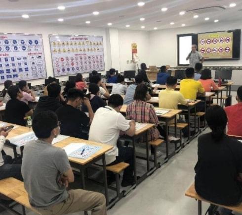 S-Viet tuyển sinh học viên thi bằng lái xe máy hạng A1 | A2 Tại Hà Nội với 12 sân thi khắp Hà Nội, Lịch thi 2 -3 buổi/ tuần, được chọn lịch thi và sân thi