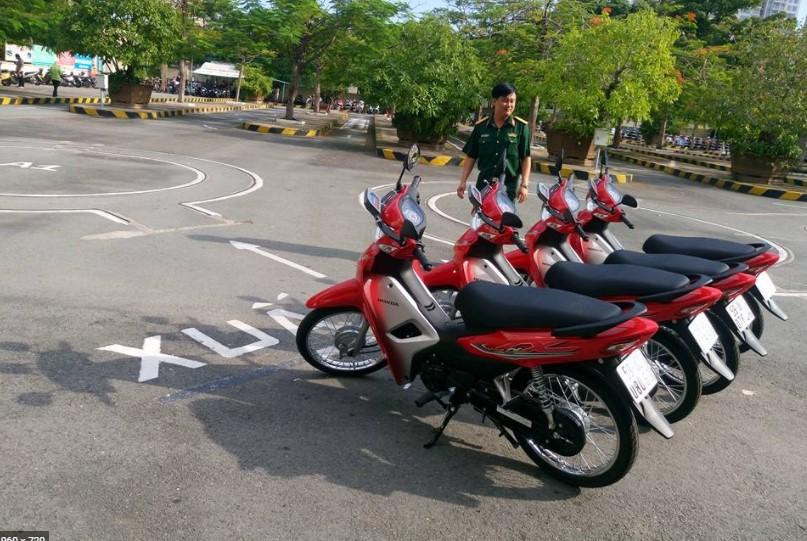 Thi bằng lái xe máy tại hai bà trưng